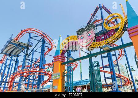Leute, die Spaß auf Coney Island, Brooklyn, New York. - Stockfoto