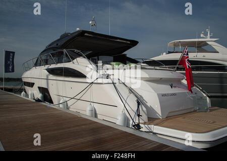 Southampton, UK. 11. September 2015. Southampton Boat Show 2015. Princess V58 Open ins Leben gerufen, auf der Messe. - Stockfoto