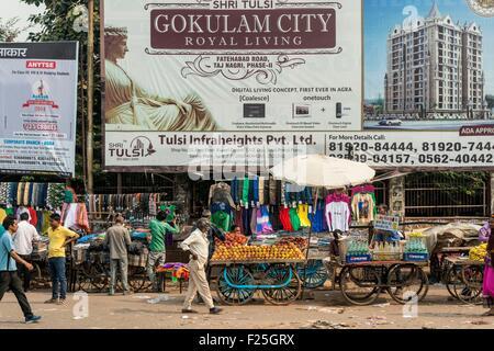 Indien, Uttar Pradesh Zustand, Agra, Straßenszene - Stockfoto