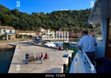Frankreich, Var, Iles d'Hyeres, Parc National de Port Cros (National Park von Port Cros), Port-Cros island, Ankunft - Stockfoto