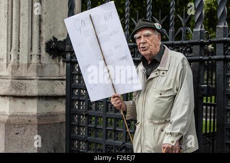 London, UK. 12. Sep, 2015. Einen einzelnen Gegner, einladende Flüchtlinge sind willkommen hier Demonstration wo - Stockfoto