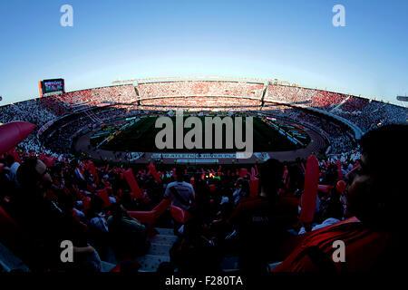 Buenos Aires, Argentinien. 13. Sep, 2015. BUENOS AIRES, 13.09.2015: Panoramablick auf Estadio Monumental vor argentinischen - Stockfoto