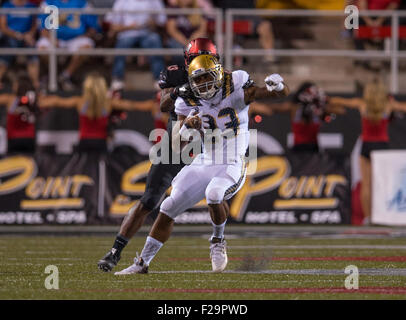 Las Vegas, NV, USA. 12. Sep, 2015. UCLA Bruins Runningback (23) Nate Starks versucht, während die UCLA Bruins Vs - Stockfoto