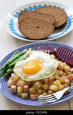 Pyttipanna, skandinavische Lebensmittel - Stockfoto