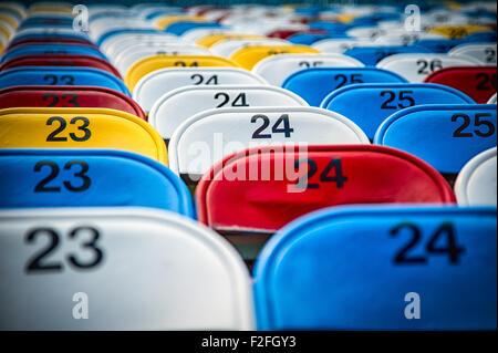 Leere Sitze in einem Stadion, Daytona International Speedway, Daytona Beach, Florida, USA - Stockfoto
