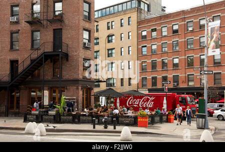 Eine trendige Bürgersteig-Restaurant an der Hudson Street in der Nähe der Highline in Unterstadt Manhattan, New - Stockfoto