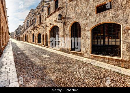 Die Straße der Ritter in Rhodos Griechenland ist eines der am besten erhaltenen und eindrucksvollen mittelalterlichen - Stockfoto
