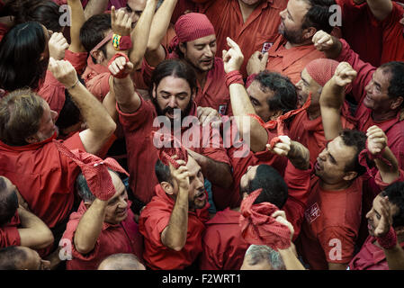 """Barcelona, Katalonien, Spanien. 24. Sep, 2015. Die """"Castellers de Barcelona"""" feiern einen menschlichen Turm in Barcelona - Stockfoto"""