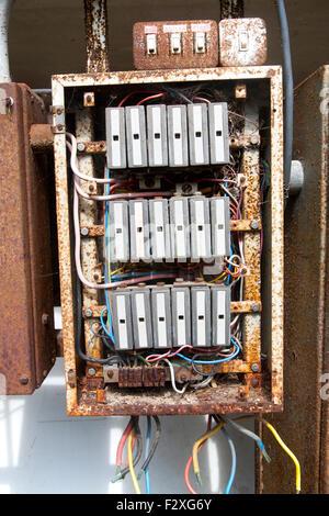 Alte elektrische Sicherungskasten Stockfoto, Bild: 8977864 - Alamy