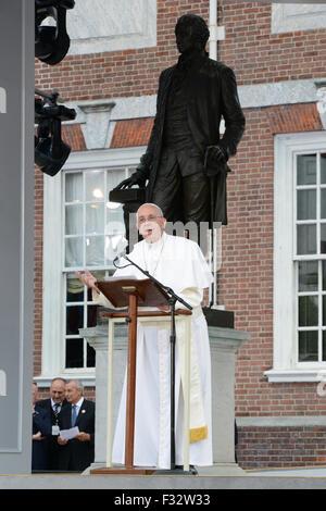 Papst Francis Adresse Menschenmengen versammelten sich in der Independence Hall 26. September 2015 in Philadelphia, - Stockfoto