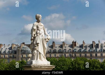 Statue in der Jardin des Tuileries, Paris, Frankreich - Stockfoto