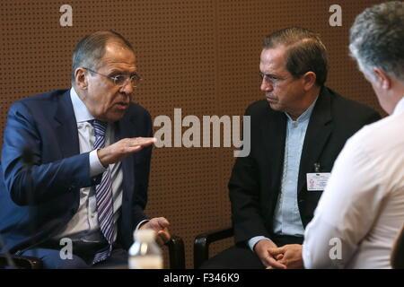 New York, Usa. 29. Sep, 2015. Russlands Außenminister Sergei Lavrov und Ecuadors Außenminister Ricardo Patino (L - Stockfoto