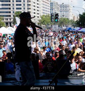 Hip-Hop-Musiker auf der Bühne ein Konzert im freien - USA - Stockfoto