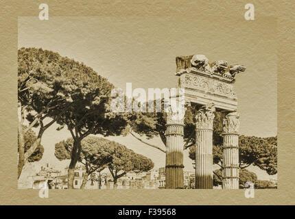 Forum des Caesar, Säulen der Tempel der Venus Genitrix. Der Tempel wurde erbaut in 46 v. Chr., Rom, Latium, Italien, - Stockfoto