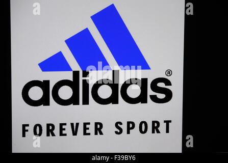 "Markenname: ""Adidas"", Berlin. - Stockfoto"