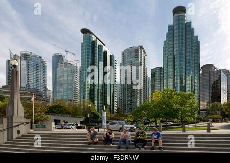 Blick auf die moderne Skyline von Coal Harbour, Innenstadt von Vancouver, British Columbia, Kanada, Nordamerika. - Stockfoto
