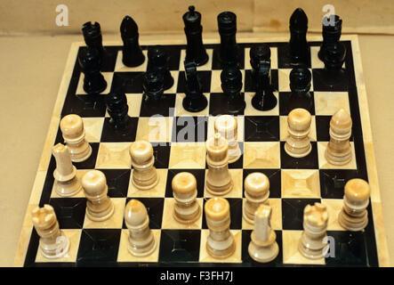 Ein Bishnupur Erbe Produkt Kol Handi An Elfenbein Chess Board Darjeeling Lebensstil in Darjeeling; Westbengalen; - Stockfoto