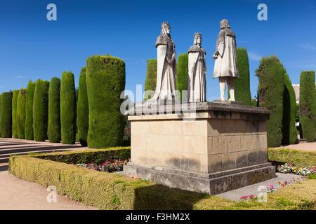 Gärten und Brunnen des Alcazar de Los Reyes Católicos, Córdoba, Andalusien, Spanien - Stockfoto