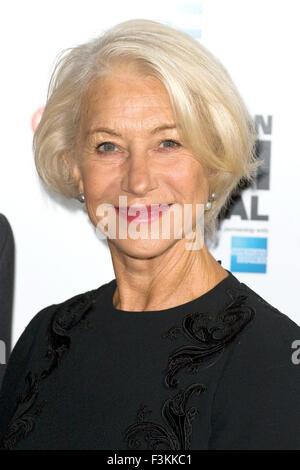 """London, UK. 8. Oktober 2015. Helen Mirren bei einem Fototermin für den Film """"Trumbo"""" während des 59. BFI London - Stockfoto"""