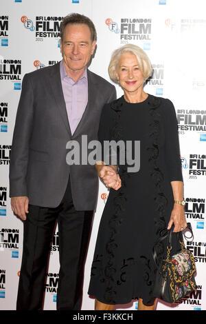 """London, UK. 8. Oktober 2015. Bryan Cranston und Helen Mirren bei einem Fototermin für den Film """"Trumbo"""" während - Stockfoto"""