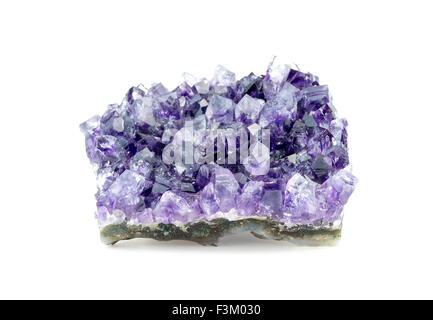Horizontale Ansicht des rauen Amethyst Kristall - Stockfoto
