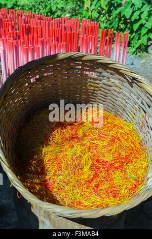 Gummiband Produktion, Burma - Stockfoto