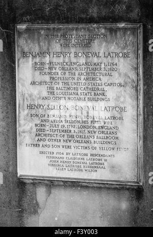 Eine Marmortafel für Informationen und ihr Engagement für die evangelische Latrobe Familie in St. Louis Friedhof - Stockfoto
