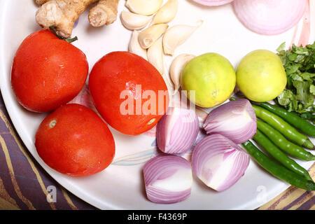 Gemüse auf Teller - Stockfoto