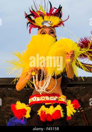 Native männlichen hawaiianische traditionelle Tanz bei Lua, Big Island, Hawaii, USA - Stockfoto
