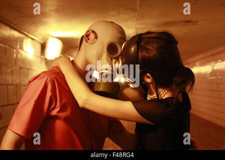 Küssen im tunnel - Stockfoto