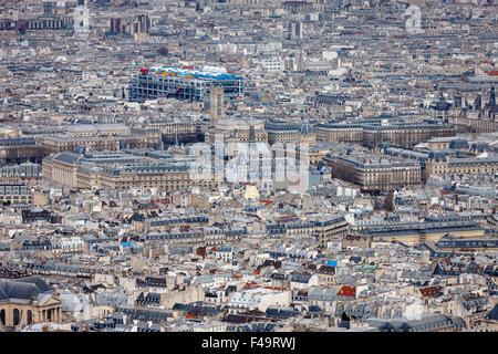 Luftaufnahme von Paris, Dächer des 4. Arrondissements, Centre Georges Pompidou, Frankreich, Ile De La Cite und Tour - Stockfoto
