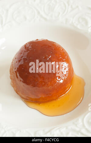 Gedämpfte Golden Syrup Sponge pudding - Stockfoto