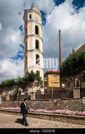 Griechenland, Westmakedonien, Kastoria, Glockenturm der Kirche Mitropoli Kastorias - Stockfoto
