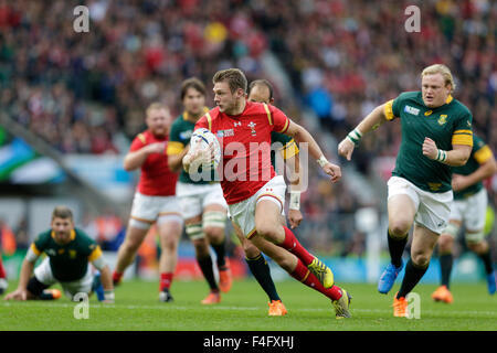Twickenham Stadium, London, UK. 17. Oktober 2015. Rugby World Cup Viertelfinale. Südafrika vs. Wales. Wales Outhalf - Stockfoto