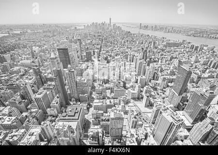 Schwarz / weiß getönten Blick auf Manhattan, New York City, USA - Stockfoto