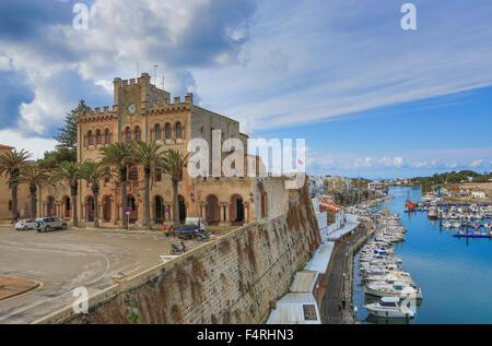 Gebäude, Ciutadella, Rathaus, Landschaft, Menorca, Balearen, Frühling, Architektur, Bucht, Boote, Festung, mediterran, - Stockfoto