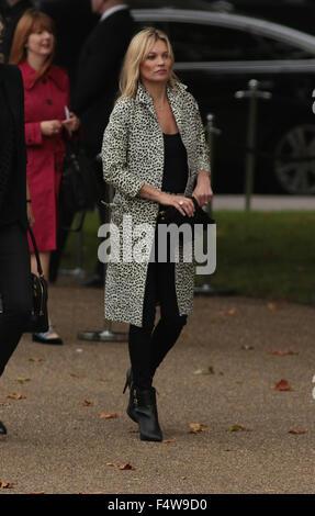 London, UK, 21. September 2015: Kate Moss gesehen auf LFW Woche SS16 in London - Stockfoto