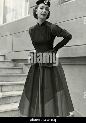 Ein Modell zeigt ein Kleid von Gabriella Bellenghi, Florenz, Italien - Stockfoto