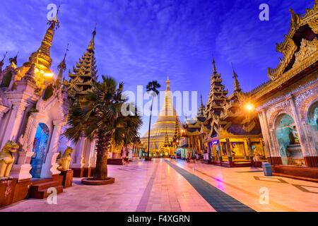 Shwedagon-Pagode in Yangon, Myanmar. - Stockfoto