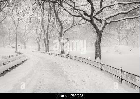 Schnee im Central Park - ruhigen Winter-Atmosphäre im Herzen von Manhattan, New York City - Stockfoto