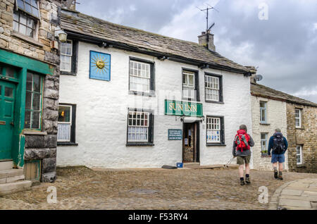 Die Sun Inn in einem Dorf in Cumbria, Dentdale Dent. - Stockfoto