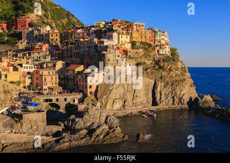 Manarola ist eine Stadt und Gemeinde in der Provinz La Spezia, Ligurien, Nordwest-Italien. - Stockfoto