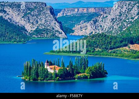 Kroatien, Dalmatien, Sibenik-Knin, Krka Nationalpark, römisch-katholische Franziskaner Kloster Visovac - Stockfoto