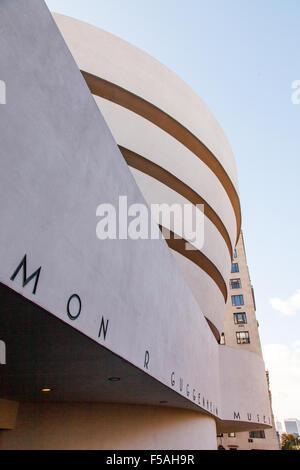 Solomon. R. Guggenheim Museum, 5th Avenue, New York City, Vereinigte Staaten von Amerika. - Stockfoto