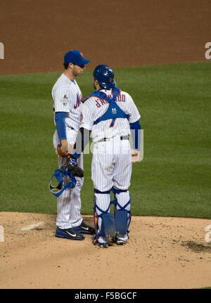 New York, NY, USA. 31. Oktober 2015. 5. Inning von Spiel 4 der 2015 World Series, Citi Field, Samstag, 31. Oktober - Stockfoto