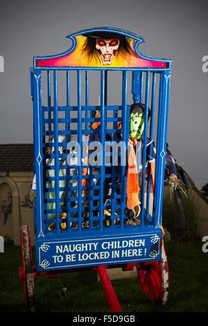 Furchterregende Gesichter für Halloween, Southport, Merseyside, UK - Stockfoto