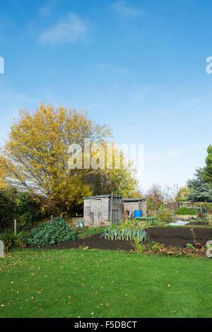 Kleingärten in Bourton auf dem Wasser, Cotswolds, Gloucestershire, England - Stockfoto