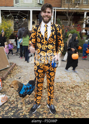 Halloween in den Kensington-Abschnitt von Brooklyn, New York, 2015. - Stockfoto