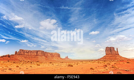 Panorama-Foto von Monument Valley Navajo Tribal Park, Utah, USA. - Stockfoto
