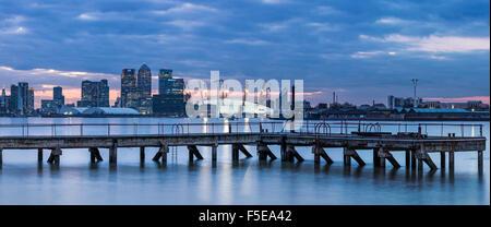 Canary Wharf aus London Docklands, London, England, Vereinigtes Königreich, Europa - Stockfoto